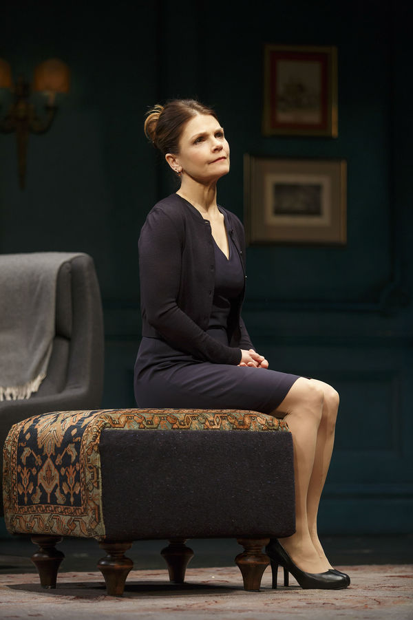 photo flash first look at frank langella and more in mtc. Black Bedroom Furniture Sets. Home Design Ideas