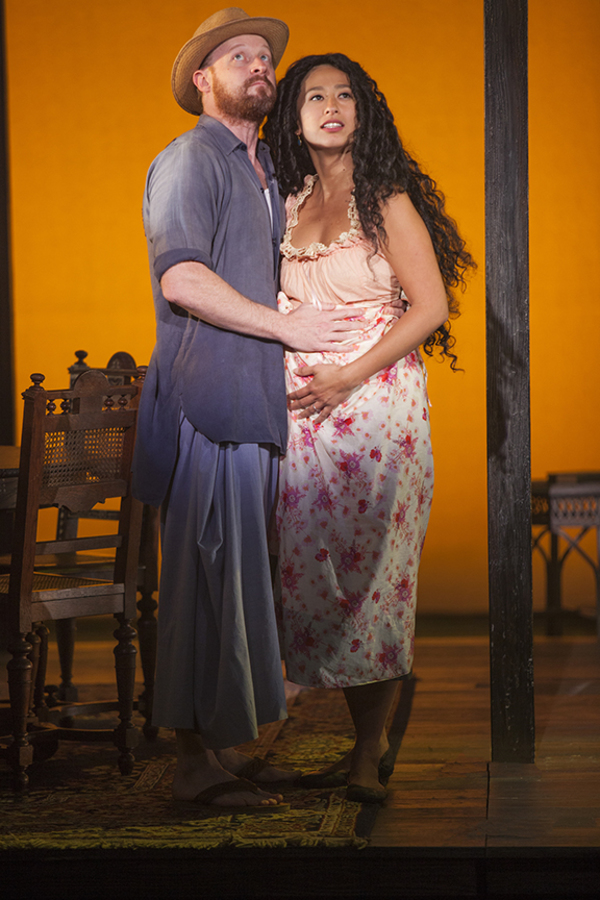 Jeremy Davis as Jo and Marie-France Arcilla as Noi Noi