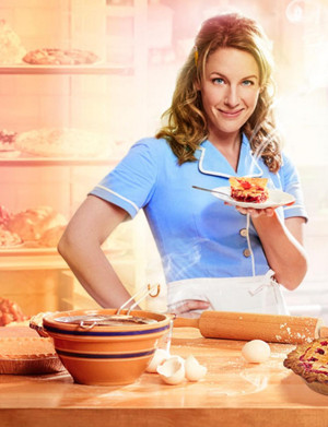 A Feast for the Senses! WAITRESS Audiences Welcomed Into Theater with Aroma of Warming Pies