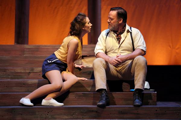Marissa Ryder as Nellie Forbush and John Carroll as Emile de Becque