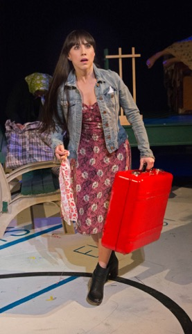 BWW Review: YOU ARE NOW THE OWNER OF THIS SUITCASE - A Global 'Edutainment' Family Experience at West End Theatre