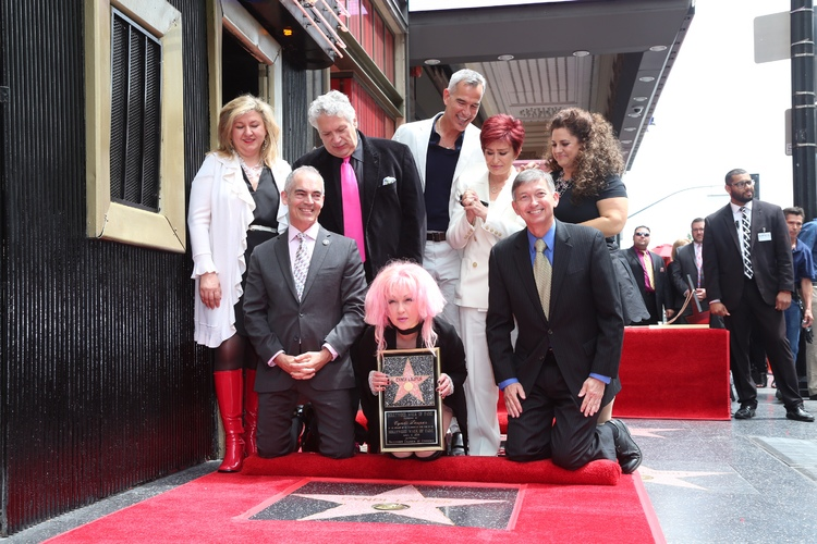 High Res Cyndi Lauper and Harvey Fierstein with Hollywood Chamber President/CEO Leron Gubler, Sharon Osbourne, Marissa Jaret Winokur, KINKY BOOTS producer Hal Luftig, and director/choreographer Jerry Mitchell