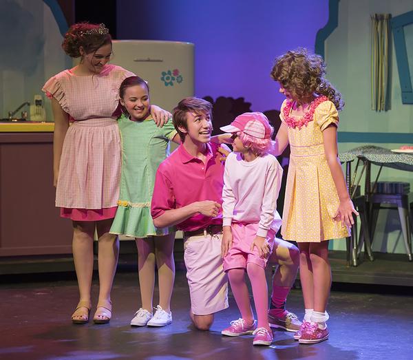 Carly McClain (Mrs. Pinkerton), Rosamund Aaliyah Kuhlman (Allison), Vincent Pugliese (Mr.Pinkerton), Ian Gray (Peter), Makenna Jacobs (Pinkalicious)