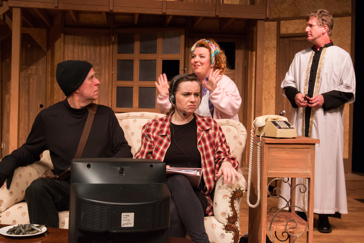 High Res (seated) STEVE TARRY (Selsdon) and ANA BURY (Poppy); (standing) SHELLEIGH FERGUSON (Dotty) and JIM ROGERS (Frederick)