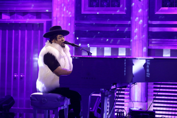 Musical guest D'Angelo performs a tribute to Prince on THE TONIGHT SHOW STARRING JIMMY FALLON