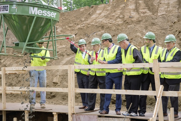Photo Flash: Cincinnati Shakespeare Makes Big Announcement at 'First Pour' Event