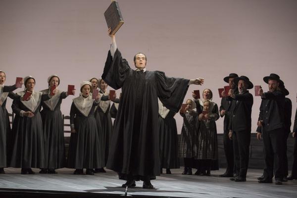 Dominic Armstrong and Opera Colorado Chorus