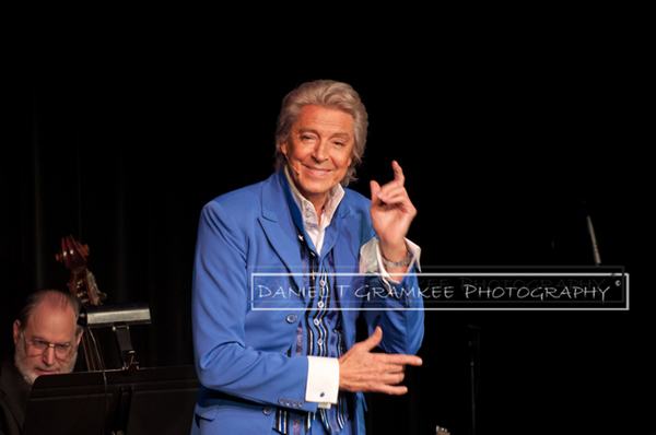 Tommy Tune makes a point of entertaining