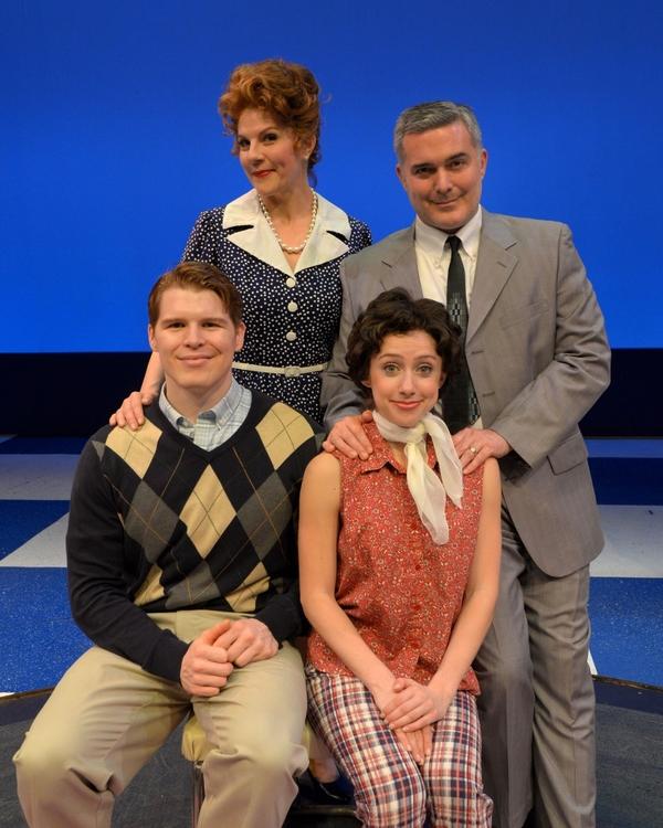 Herb Porter (Richie) , Lori Hammel (Mrs. Cunningham), Peter Davenport (Mr. Cunningham), Mia Weinberger (Joanie)
