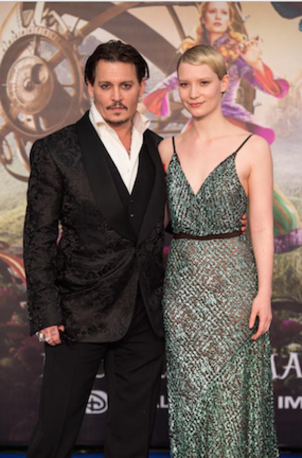 Johnny Depp, Mia Wasikowska Photo