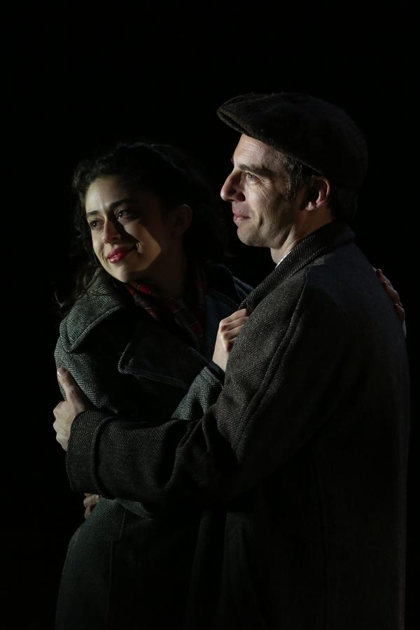 Adina Verson,Max Gordon Moore