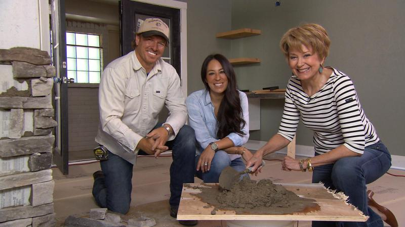 hgtv 39 s chip and joanna gains visit cbs sunday morning today. Black Bedroom Furniture Sets. Home Design Ideas