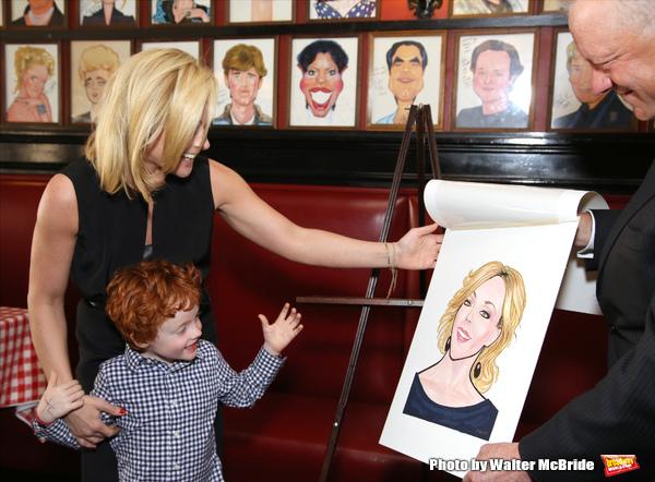 Photo Coverage: Tony Nominee Jane Krakowski Unveils Her New Portrait at Sardi's!