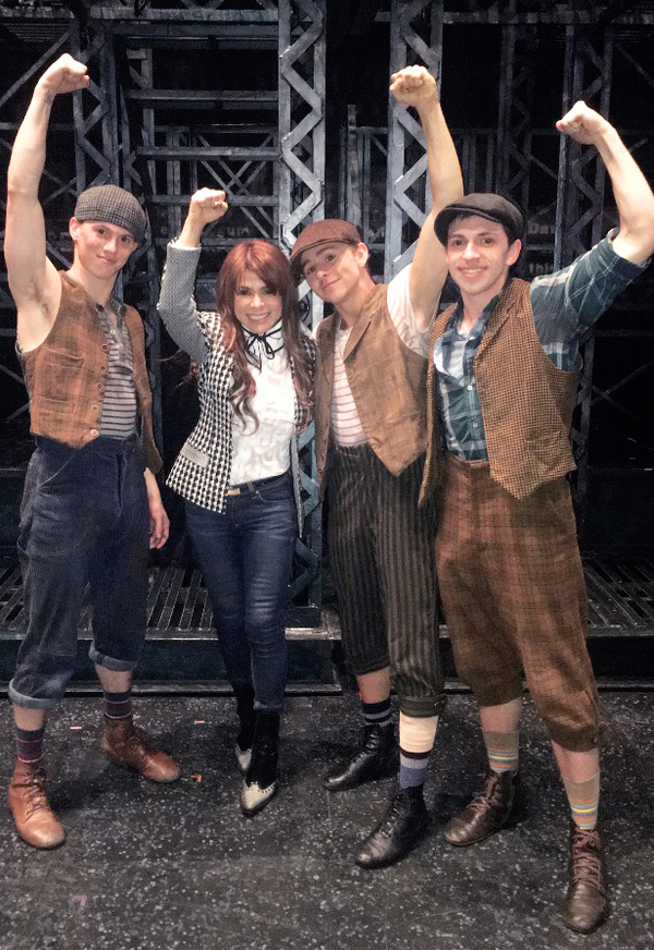 Photo Flash: Paula Abdul Swings by NEWSIES on Tour