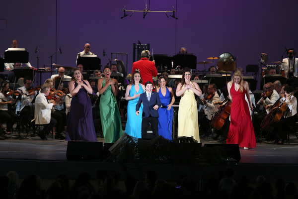 Joshua Colley and Female Ensemble