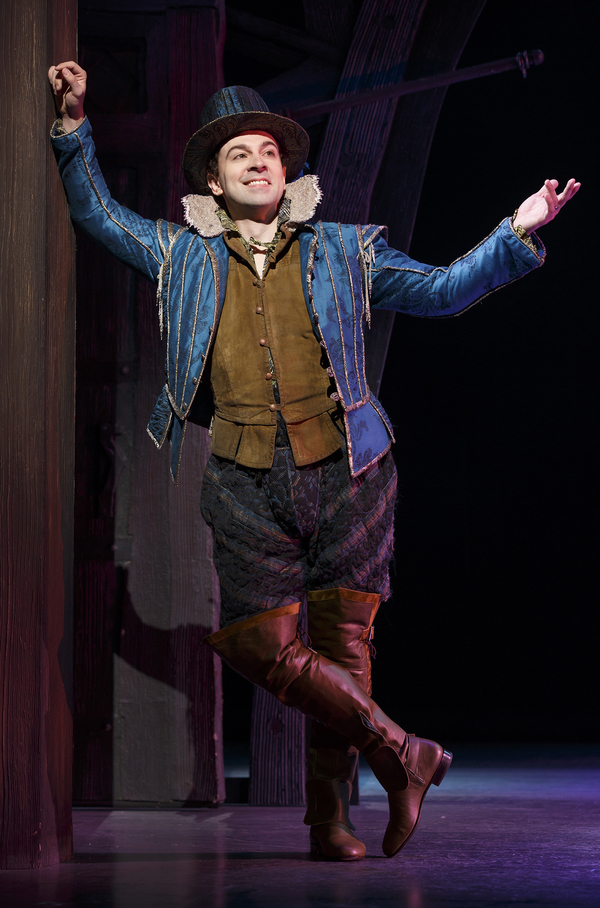 Photo Flash First Look At Rob Mcclure In Broadway S