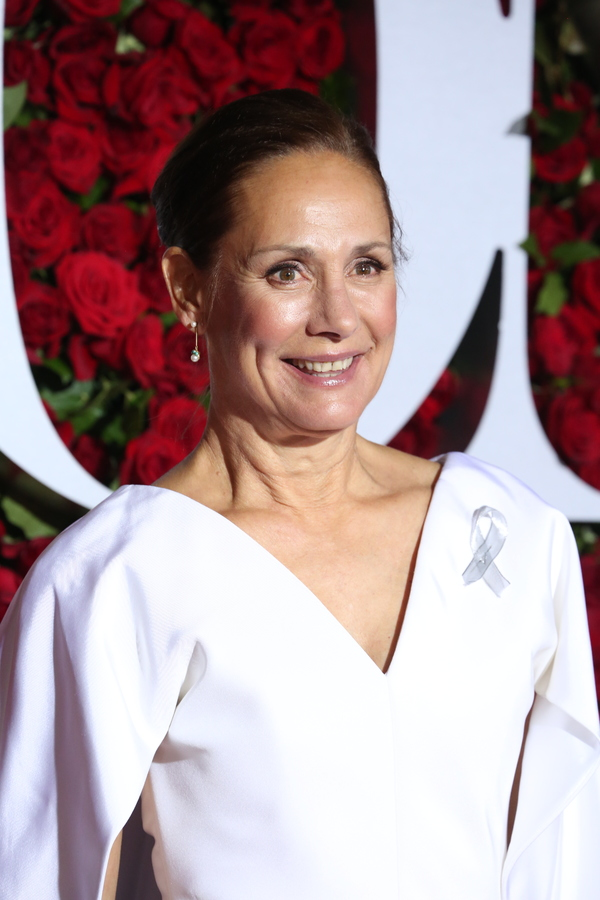 Laurie Metcalf Theatre Credits Bruce Willis Cast