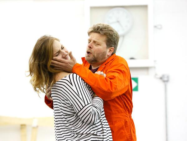 Peter Hoare, Laura Wilde