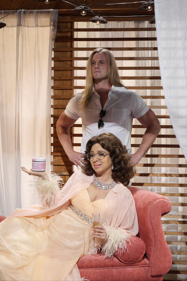 "MAYA & MARTY -- Episode 104 -- Pictured: Maya Rudolph as Sophia Loren during the ""Sop Photo"