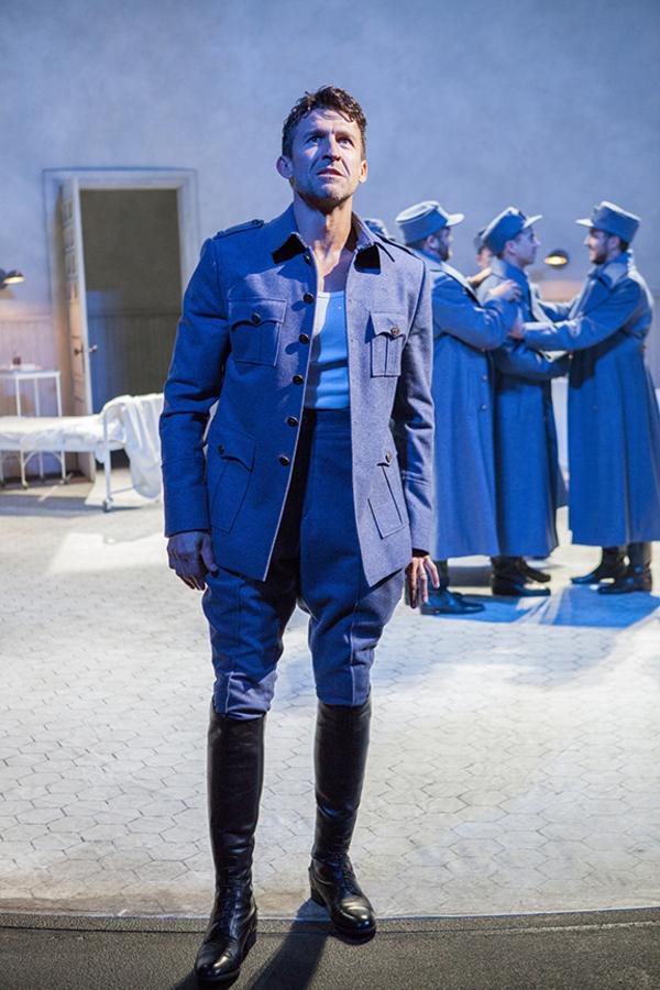 Jonathan Cake as Macbeth with Jake Millgard, Daniel Petzold, and Kevin Hafso-Koppman