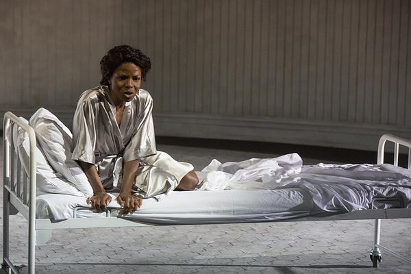 Marsha Stephanie Blake as Lady Macbeth