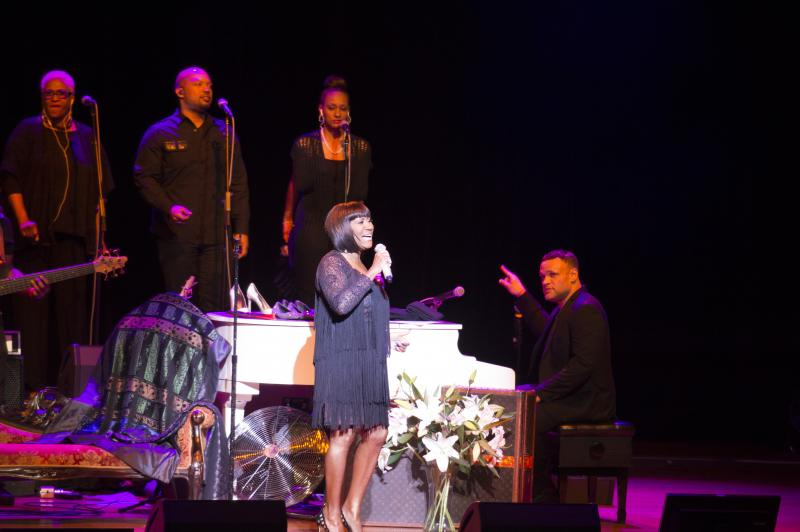 BWW Review: 'A Brick House with a New Attitude' The Commodores & Patti LaBelle Meet Ravinia Festival with 'Praise'