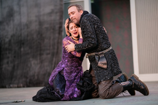 Photo Flash: First Look at Independent Shakespeare Co.'s RICHARD III at Griffith Park