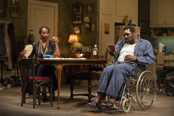 Photo Flash: First Look at Eamonn Walker and More in Steppenwolf's BETWEEN RIVERSIDE AND CRAZY