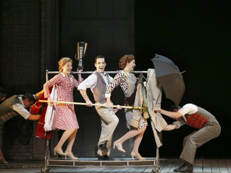 review   Singin  in the Rain   GRIGWARE REVIEWS Singing in the rain review singapore mbs