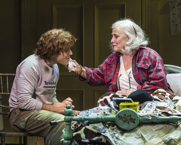 Photo Flash: First Look at Betty Buckley and Rachel York in GREY GARDENS at the Ahmanson