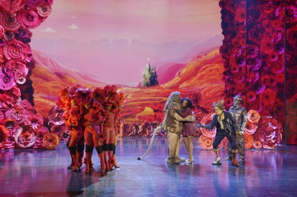 David Alan Grier as Lion, Shanice Williams as Dorothy, Elijah Kelley as Scarecrow, Ne-Yo as Tin-Man