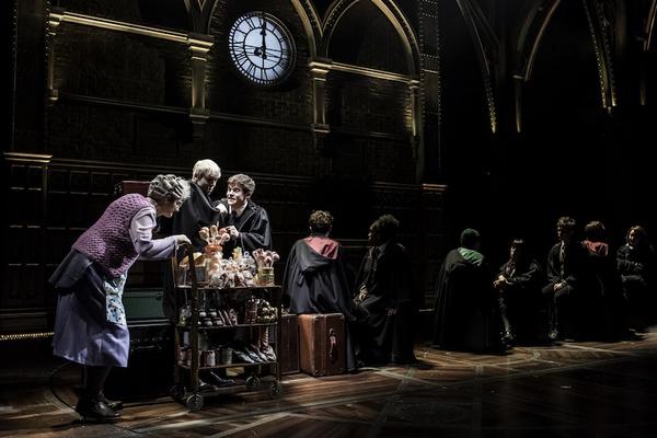 Sandy McDade (Trolley Witch), Anthony Boyle (Scorpius Malfoy), Sam Clemmett (Albus Po Photo