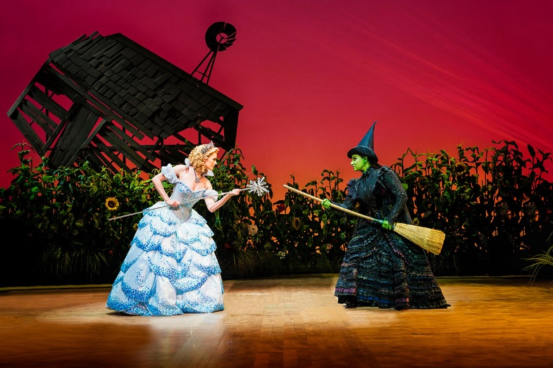 VISA Cardholders Get First Dibs on Tickets to WICKED in Manila, Today Thru 8/25