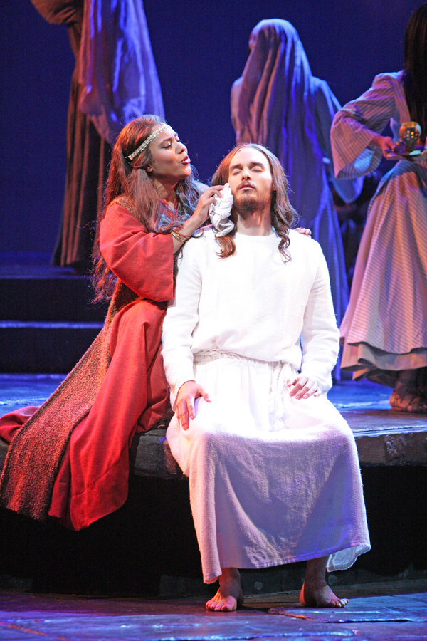 Mary Magdalene (Erin Clemons) assures Jesus (Thaddeus Pearson) that 'everything's alright'. Photo Credit: Christopher Clark