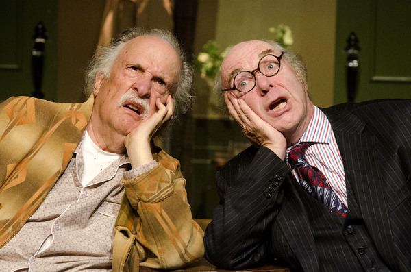 Bob Colonna plays vaudevillian Willie Clark and F. William Oakes is featured as Al Lewis in The Sunshine Boys, by Neil Simon.