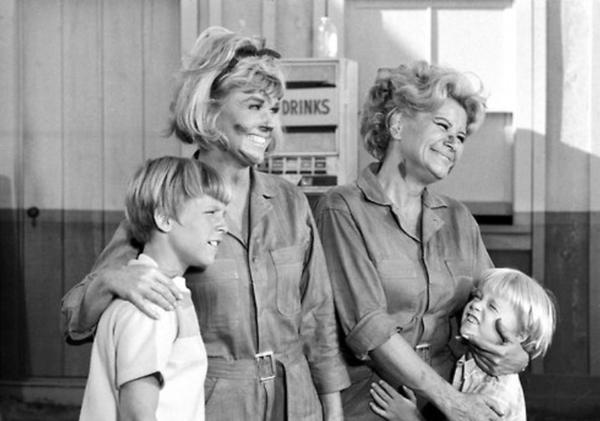 Doris Day & Rose Marie on THE DORIS DAY SHOW