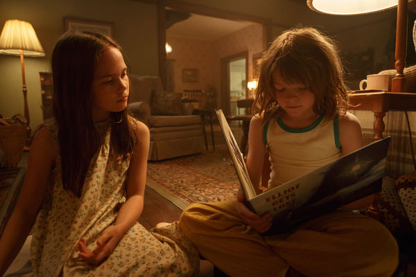 Oakes Fegley is Pete and Oona Laurence is Natalie in Disney's PETE'S DRAGON, the stor Photo