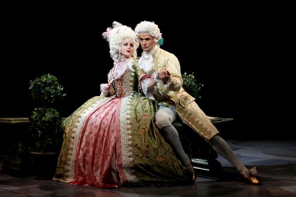 Emily Stockdale (Lina Lamont) and Mark Evans (Don Lockwood)