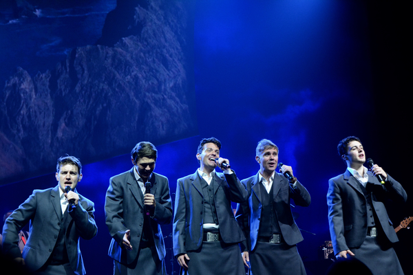 Emmet Cahill, Damian McGinty, Ryan Kelly, Neil Byrne and Michael O'Dwyer
