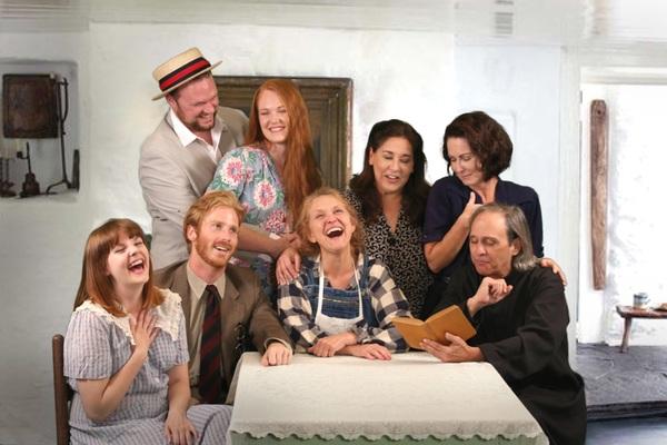 Greg Hullett, Jacie Hood Wenzel, Lorna Woodford, Marcia Carroll; Olivia Murphy, Mitch Photo