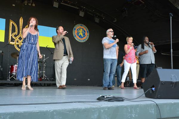 Rita Harvey, Craig Schulman, Danny Zolli, Carter Calvert and Roosevelt Andre Credit Photo