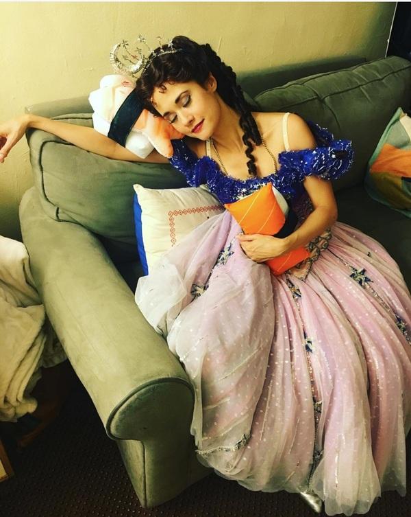 Photo Flash: PHANTOM Divas Need Beauty Sleep, the CHARLIE Boys Strut Their Stuff, and More Saturday Intermission Pics!