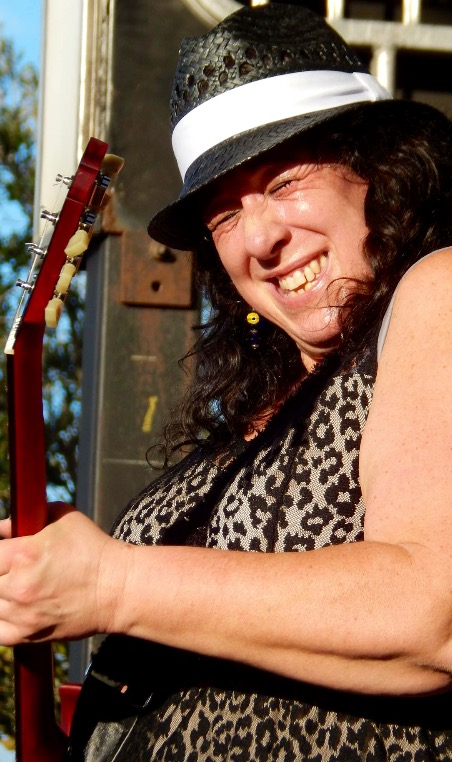 Bww Interview Joanna Connor Returns With Six String Stories