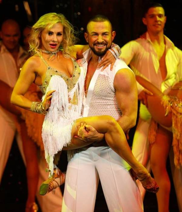 Anya Garnis and Robin Windsor
