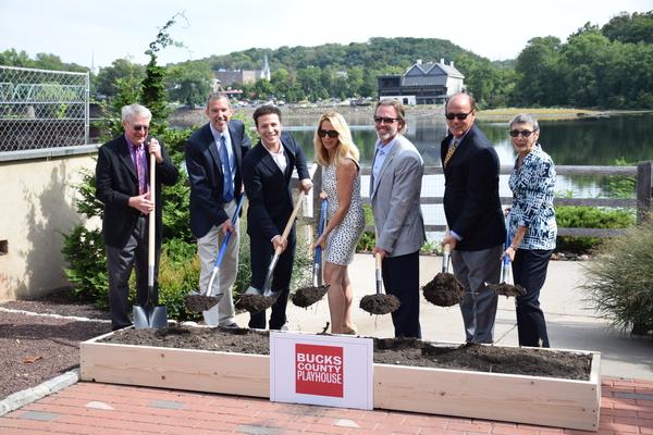 Marvin Woodall, Alexander Fraser, Justin Guarini, Sherri and Kevin Daugherty, Mayor L Photo