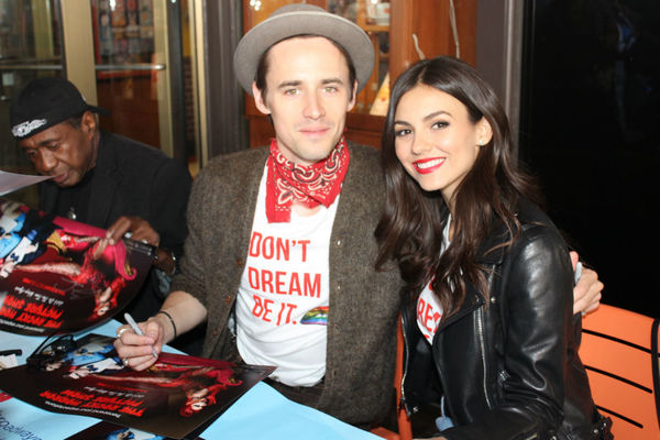 Reeve  Carney and Victoria Justice