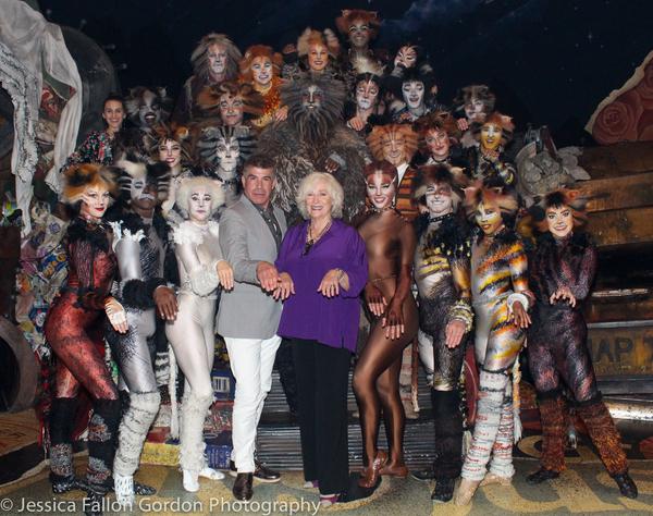 Bryan Batt, Betty Buckley and the cast of Cats