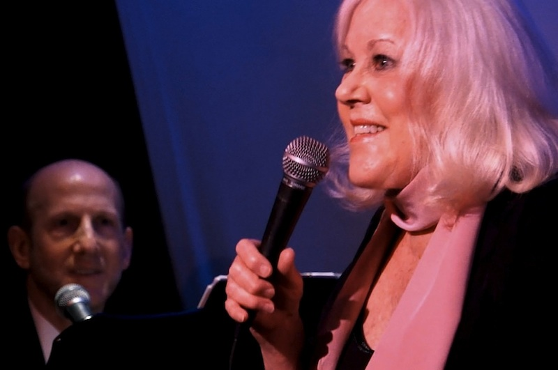 BWW Review: Still 'Chasing Dreams and Placing Bets,' Lynn Henderson Celebrates Life in T'AINT NOBODY'S BIZNESS IF I DO! at Don't Tell Mama