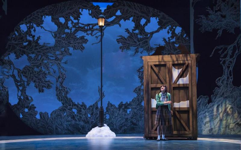BWW Review Seattle Childrenu0027s Theatreu0027s THE LION THE WITCH AND THE WARDROBE A Sprint Through Narnia & BWW Review: Seattle Childrenu0027s Theatreu0027s THE LION THE WITCH AND ...