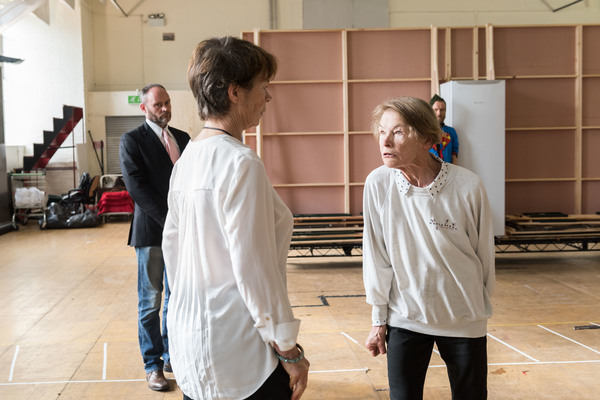 Photo Flash: In Rehearsal with Glenda Jackson and More for KING LEAR at the Old Vic
